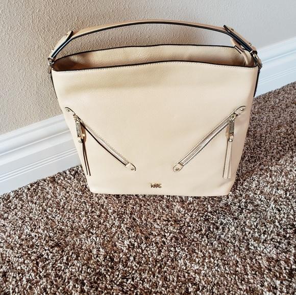 b37561f6f071fc Michael Kors Bags | Evie Shoulder Bag | Poshmark